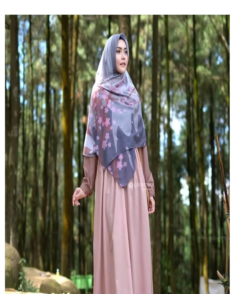 tips hijab menutup dada