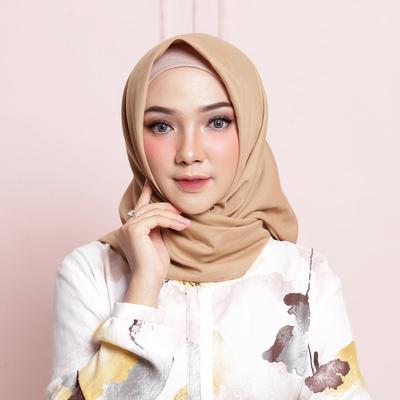 gaya chic dengan hijab paris