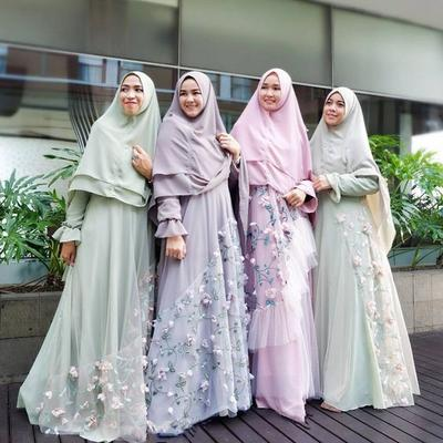 tampil fashionable di pesta