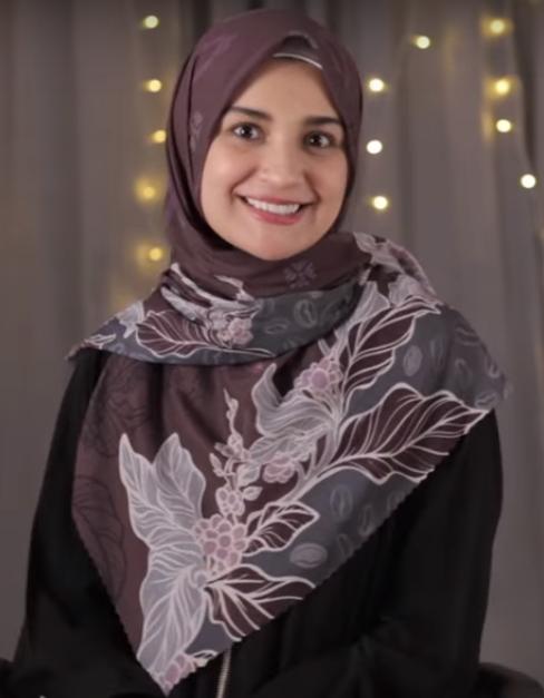 utorial-Hijab-Segiempat-Simpel-3
