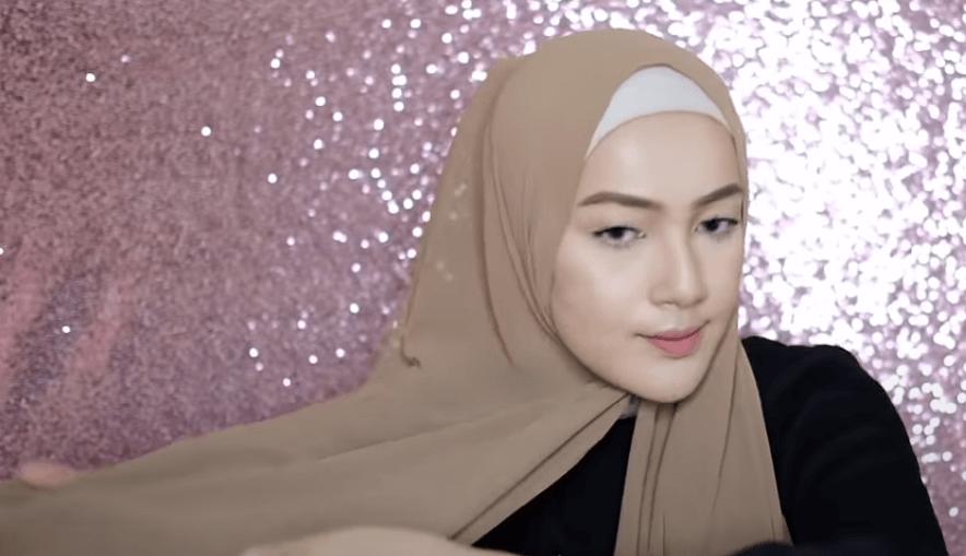 hijab-pashmina-menutup-dada-16