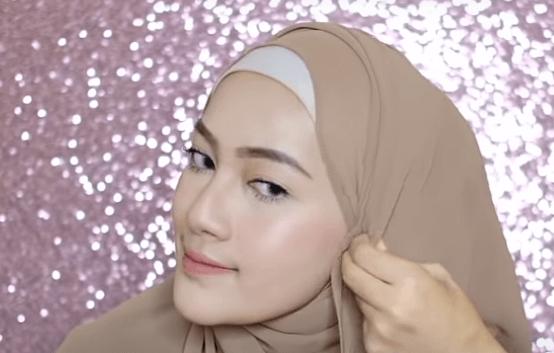 hijab-pashmina-menutup-dada-19