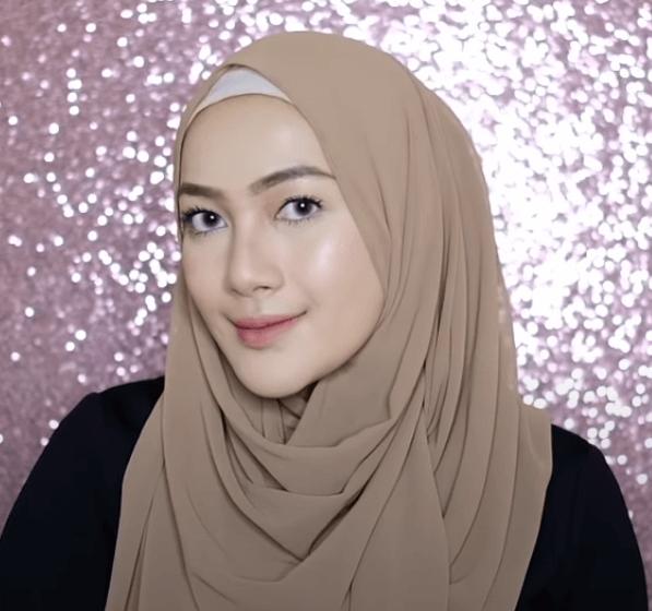 hijab-pashmina-menutup-dada-4